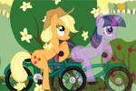 Соревнование пони на велосипедах